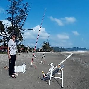 Malaysia Fishing Trip: Bait Launcher Fishing at Air Papan Part 1 | FishingAdvNHF - YouTube
